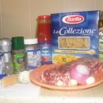 Tagliatelle cu sos de roşii şi carne tocată
