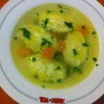 Supă de pui cu găluşte de gris sau griş